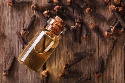huile essentielle clous girofle