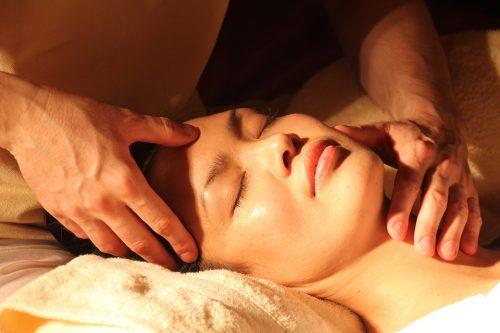 massage tête migraine maux de tête baume du tigre