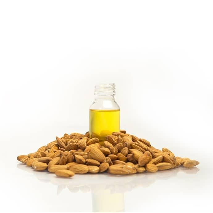huiles essentielle d'amande douce